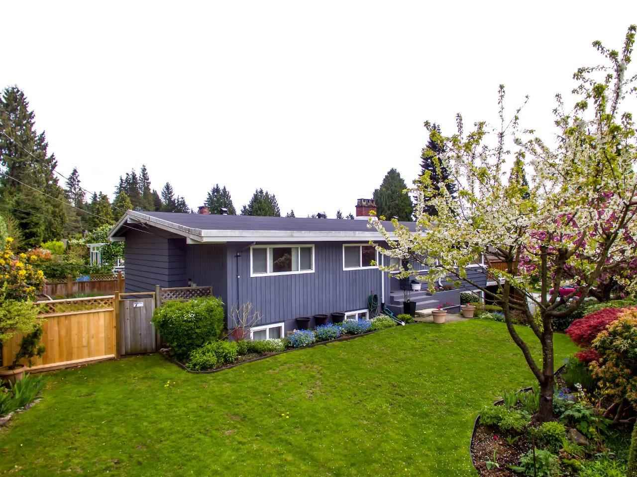 Photo 13: 3532 DELBROOK Avenue in North Vancouver: Delbrook House for sale : MLS(r) # R2163103