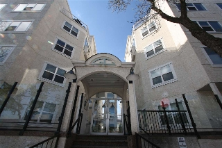 Main Photo: 213 10939 82 Avenue in Edmonton: Zone 15 Condo for sale : MLS(r) # E4064336