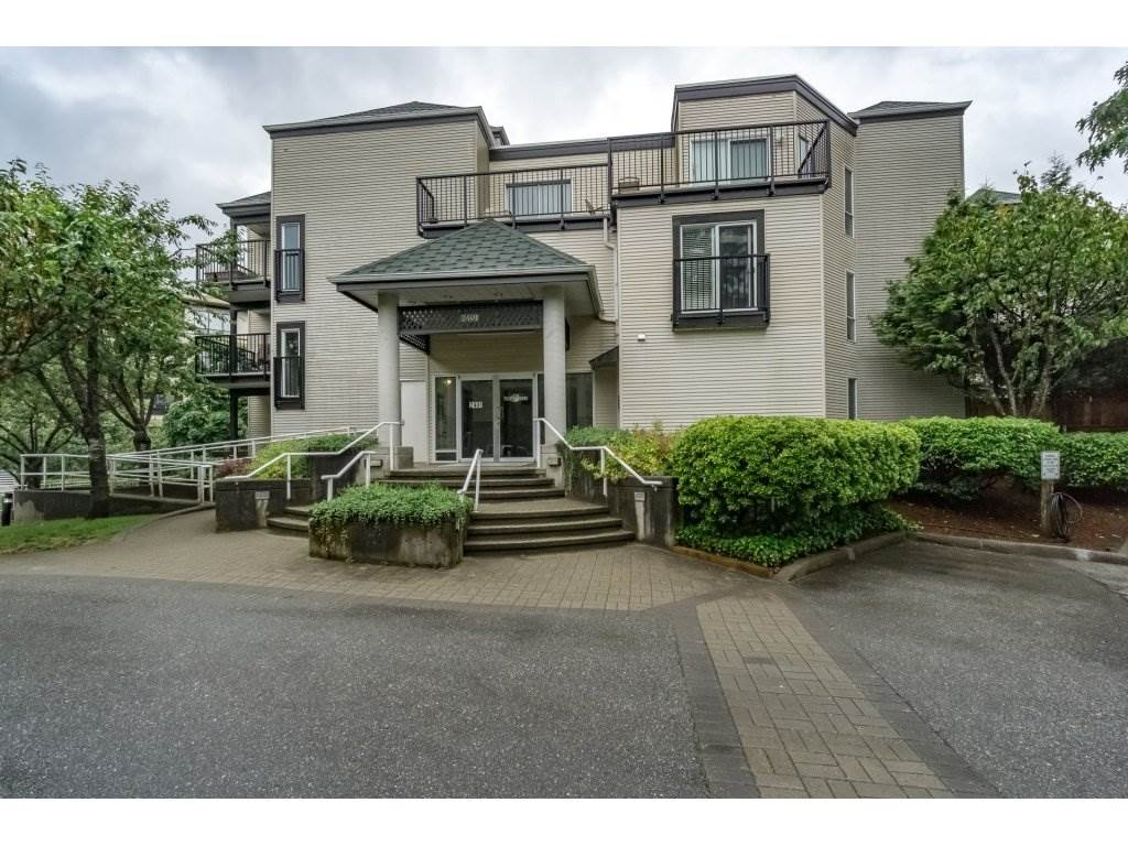 "Main Photo: 214 2401 HAWTHORNE Avenue in Port Coquitlam: Central Pt Coquitlam Condo for sale in ""STONEBROOK"" : MLS® # R2175364"