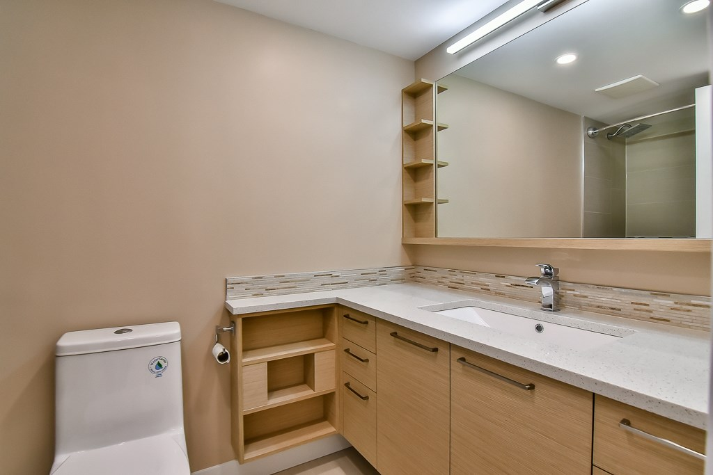 Photo 10: 1502 3755 BARTLETT COURT in Burnaby: Sullivan Heights Condo for sale (Burnaby North)  : MLS® # R2170341