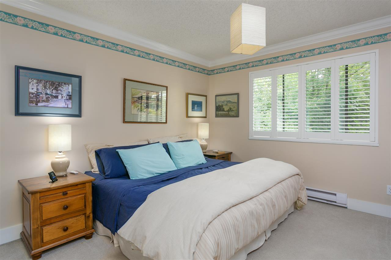 "Photo 12: 5 300 MAUDE Road in Port Moody: North Shore Pt Moody Townhouse for sale in ""SANMARINO BY THE SEA"" : MLS® # R2179463"