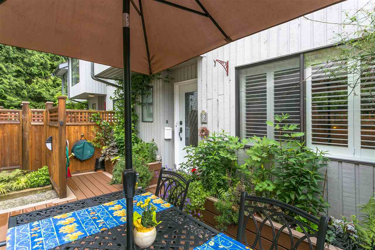 "Photo 3: 5 300 MAUDE Road in Port Moody: North Shore Pt Moody Townhouse for sale in ""SANMARINO BY THE SEA"" : MLS® # R2179463"