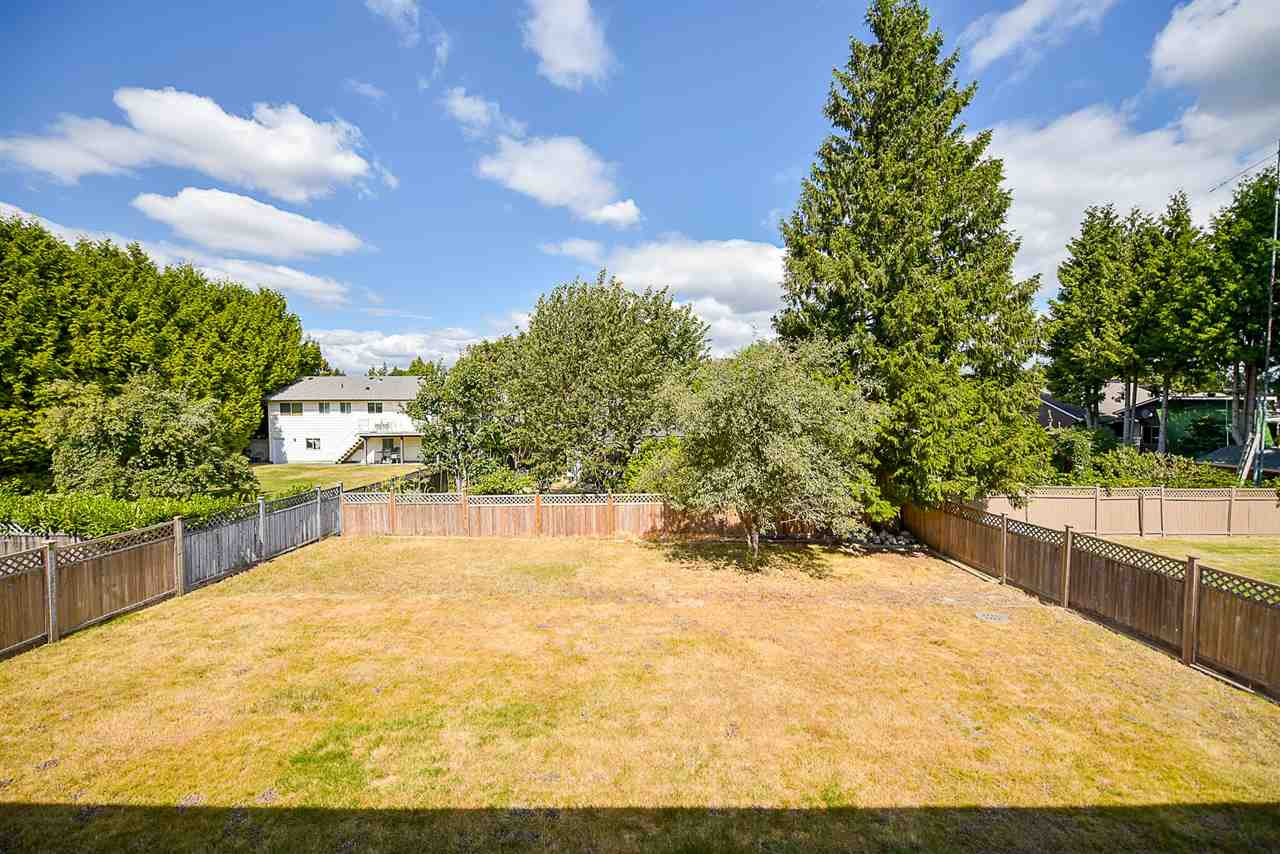 Photo 20: 15671 101A Avenue in Surrey: Guildford House for sale (North Surrey)  : MLS® # R2202060