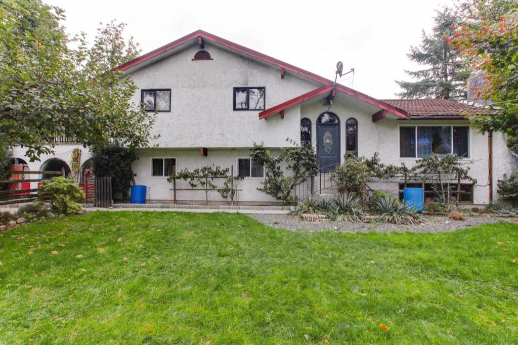 "Main Photo: 8730 MCLEAN Street in Mission: Mission-West House for sale in ""Sliverdale & Slivermere"" : MLS® # R2212425"