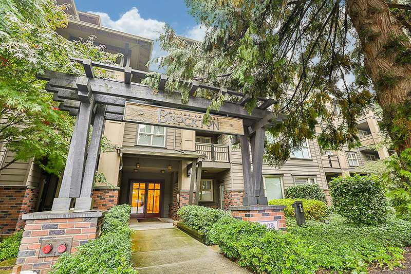 "Main Photo: 210 808 SANGSTER Place in New Westminster: The Heights NW Condo for sale in ""THE BROCKTON"" : MLS® # R2213078"