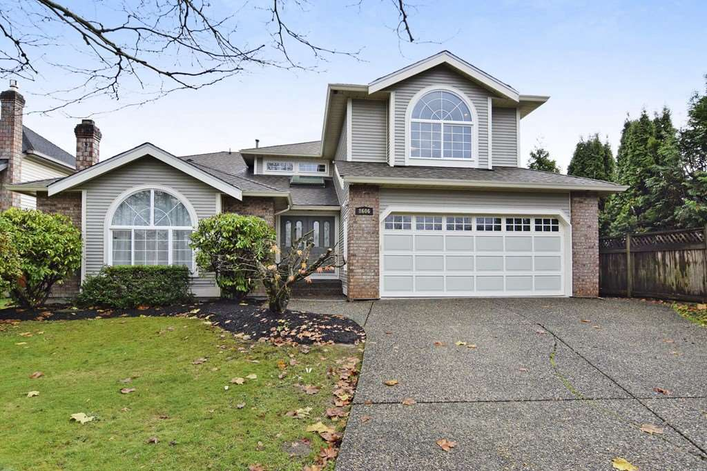 "Main Photo: 8606 215TH Street in Langley: Walnut Grove House for sale in ""Forest Hills"" : MLS® # R2224456"
