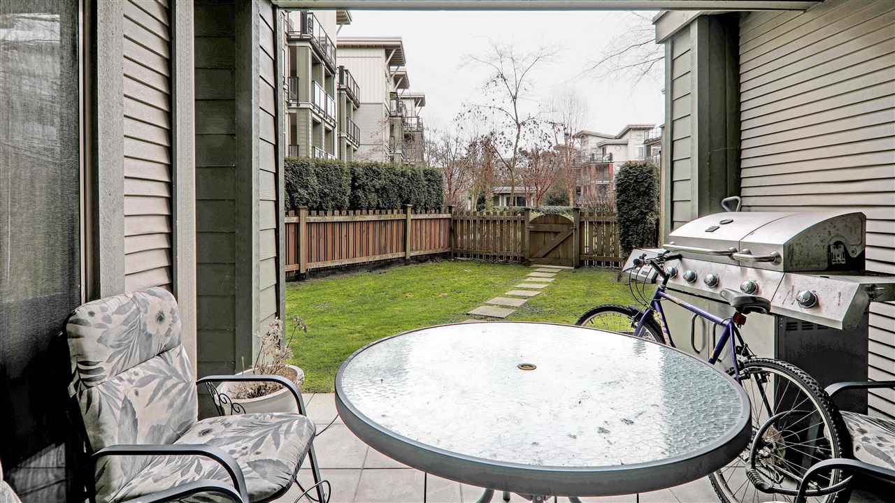 "Photo 11: Photos: 102 10180 153 Street in Surrey: Guildford Condo for sale in ""Charlton Park"" (North Surrey)  : MLS® # R2237922"