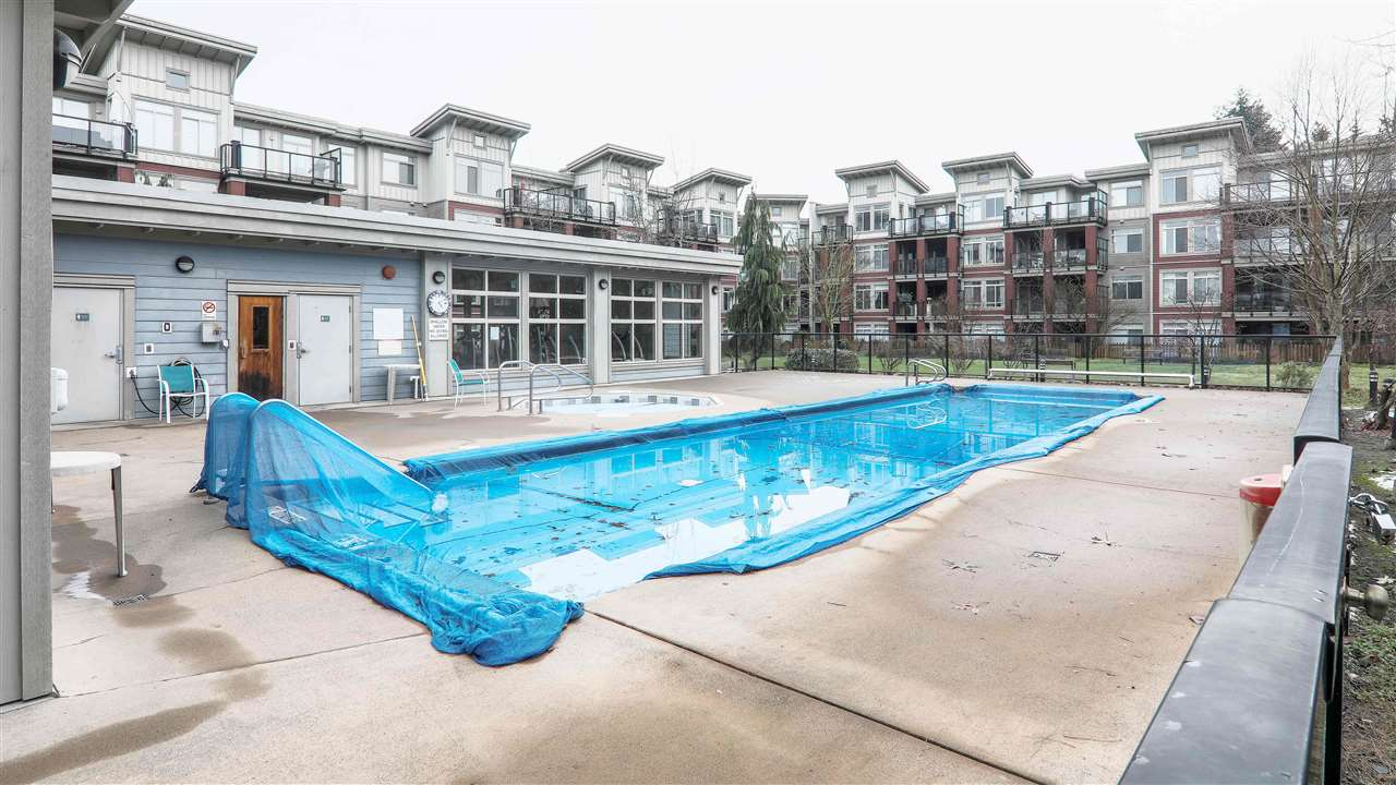 "Photo 13: Photos: 102 10180 153 Street in Surrey: Guildford Condo for sale in ""Charlton Park"" (North Surrey)  : MLS® # R2237922"