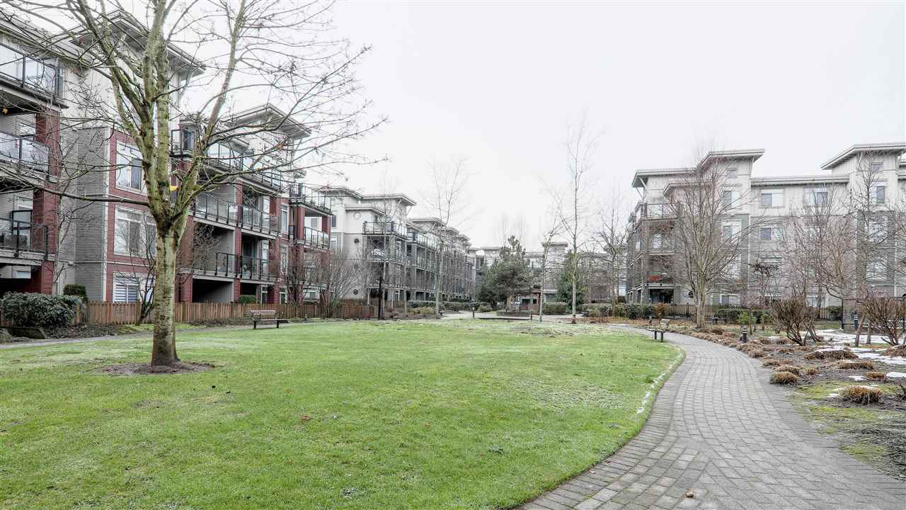 "Photo 12: Photos: 102 10180 153 Street in Surrey: Guildford Condo for sale in ""Charlton Park"" (North Surrey)  : MLS® # R2237922"