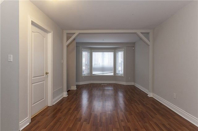 Main Photo: 16 43 Agnes Street in Mississauga: Cooksville Condo for sale : MLS®# W4060833