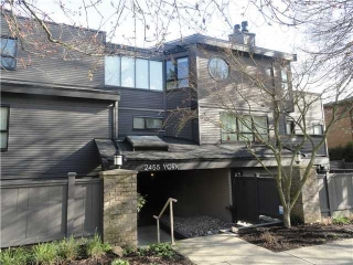 Main Photo: 104 2455 YORK Avenue in Vancouver: Kitsilano Condo for sale (Vancouver West)  : MLS® # V927344
