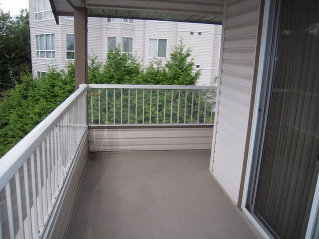 "Photo 18: 310 32145 OLD YALE Road in Abbotsford: Abbotsford West Condo for sale in ""Cypress Park"" : MLS® # F1400189"