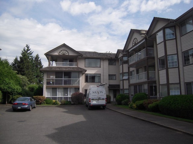 "Photo 2: 310 32145 OLD YALE Road in Abbotsford: Abbotsford West Condo for sale in ""Cypress Park"" : MLS® # F1400189"
