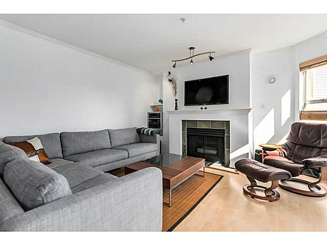 "Photo 2: 406 3628 RAE Avenue in Vancouver: Collingwood VE Condo for sale in ""Raintree Gardens"" (Vancouver East)  : MLS(r) # V1097542"