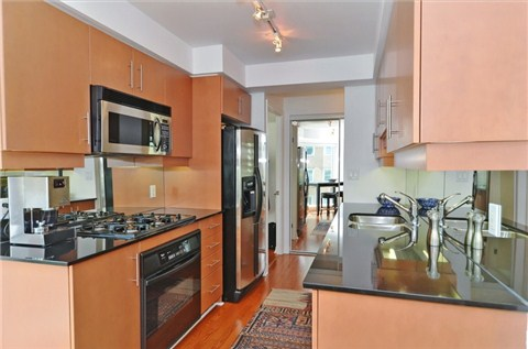 Photo 2: 1108 300 E Bloor Street in Toronto: Rosedale-Moore Park Condo for sale (Toronto C09)  : MLS(r) # C3188790
