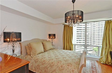 Photo 4: 1108 300 E Bloor Street in Toronto: Rosedale-Moore Park Condo for sale (Toronto C09)  : MLS(r) # C3188790