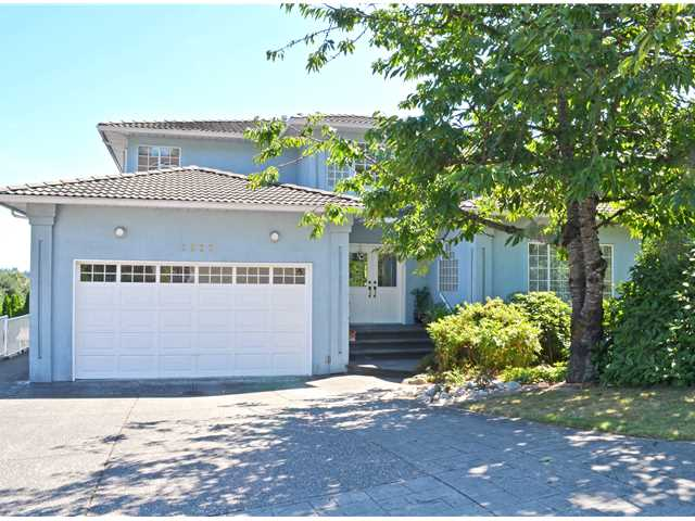 "Main Photo: 2907 KALAMALKA Drive in Coquitlam: Coquitlam East House for sale in ""RIVER HEIGHTS"" : MLS(r) # V1136807"