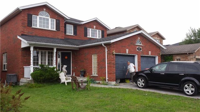 Main Photo: 217 Pringle Drive in Barrie: Edgehill Drive House (2-Storey) for sale : MLS(r) # X3300412
