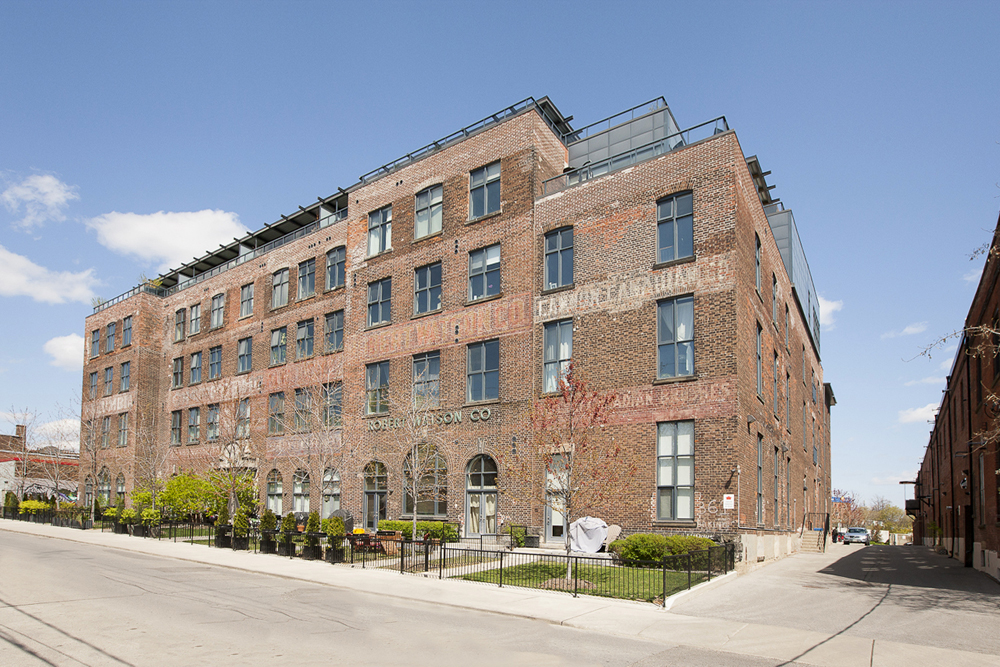 Main Photo: 302 363 Sorauren Avenue in Toronto: Roncesvalles Condo for sale (Toronto W01)  : MLS(r) # W3317804