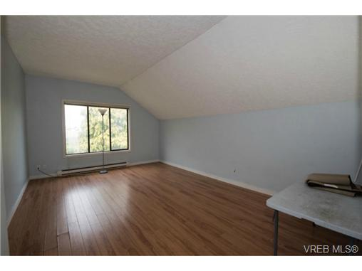 Photo 14: 943 Meares Street in VICTORIA: Vi Downtown Revenue Duplex for sale (Victoria)  : MLS(r) # 364836