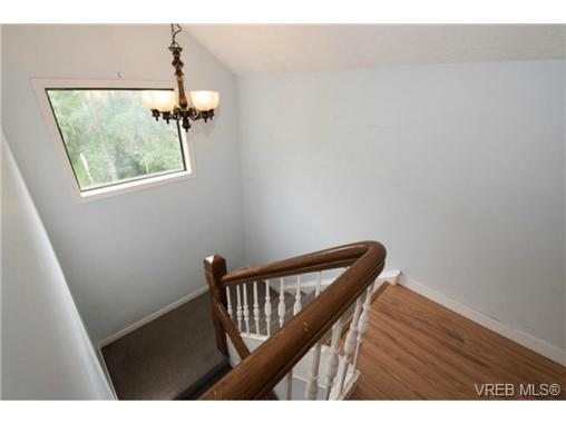Photo 11: 943 Meares Street in VICTORIA: Vi Downtown Revenue Duplex for sale (Victoria)  : MLS(r) # 364836