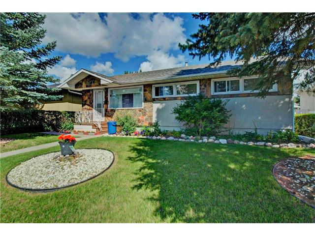 Main Photo: 4232 7 Avenue SW in Calgary: Rosscarrock House for sale : MLS® # C4078756