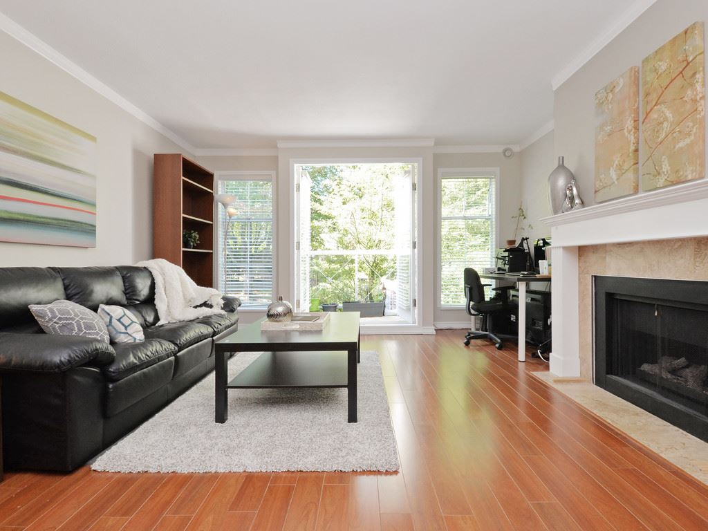 "Main Photo: 306 1023 WOLFE Avenue in Vancouver: Shaughnessy Condo for sale in ""SITCO MANOR"" (Vancouver West)  : MLS® # R2109871"