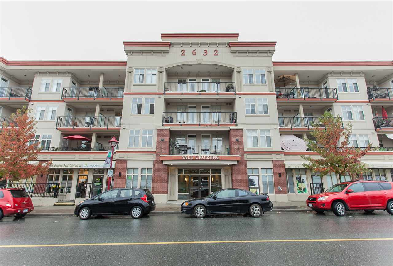 "Main Photo: 212 2632 PAULINE Street in Abbotsford: Central Abbotsford Condo for sale in ""Yale Crossing"" : MLS®# R2114466"