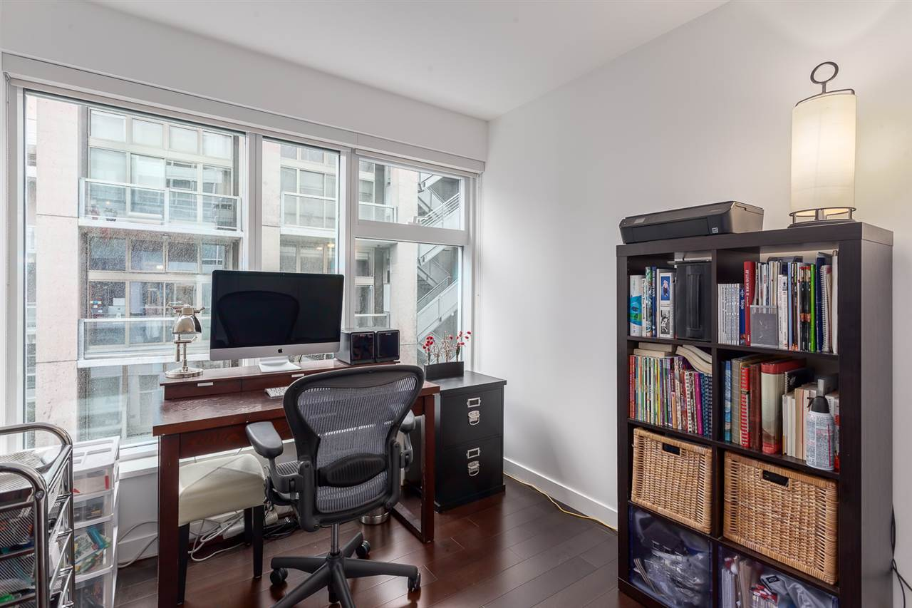 Photo 12: 305 1565 W 6TH Avenue in Vancouver: False Creek Condo for sale (Vancouver West)  : MLS® # R2129842
