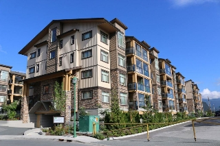 Main Photo: 306 12655 190A Street in Pitt Meadows: Mid Meadows Condo for sale : MLS(r) # R2150058