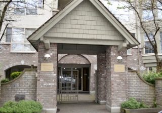 "Main Photo: 406 5650 OAK Street in Vancouver: Cambie Condo for sale in ""BLOOMFIELD GARDENS"" (Vancouver West)  : MLS(r) # R2169257"