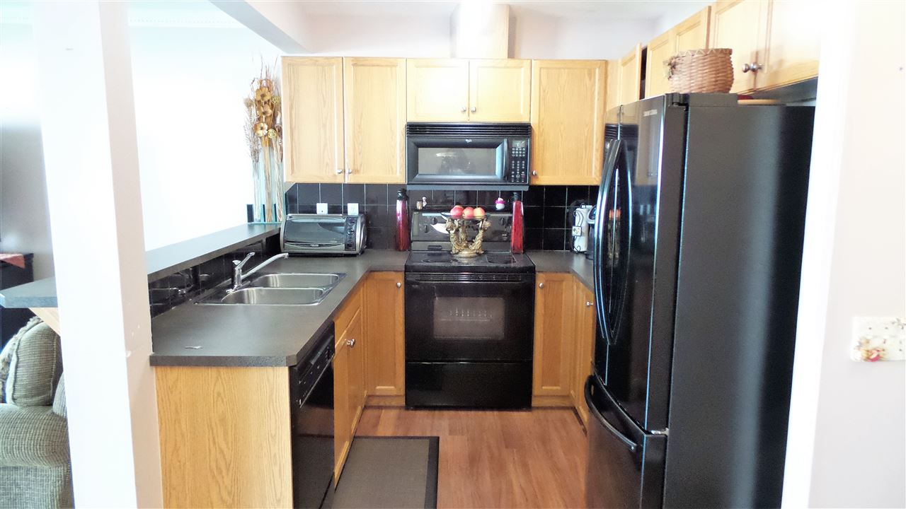 Photo 3: 144 230 EDWARDS Drive in Edmonton: Zone 53 Townhouse for sale : MLS(r) # E4067776