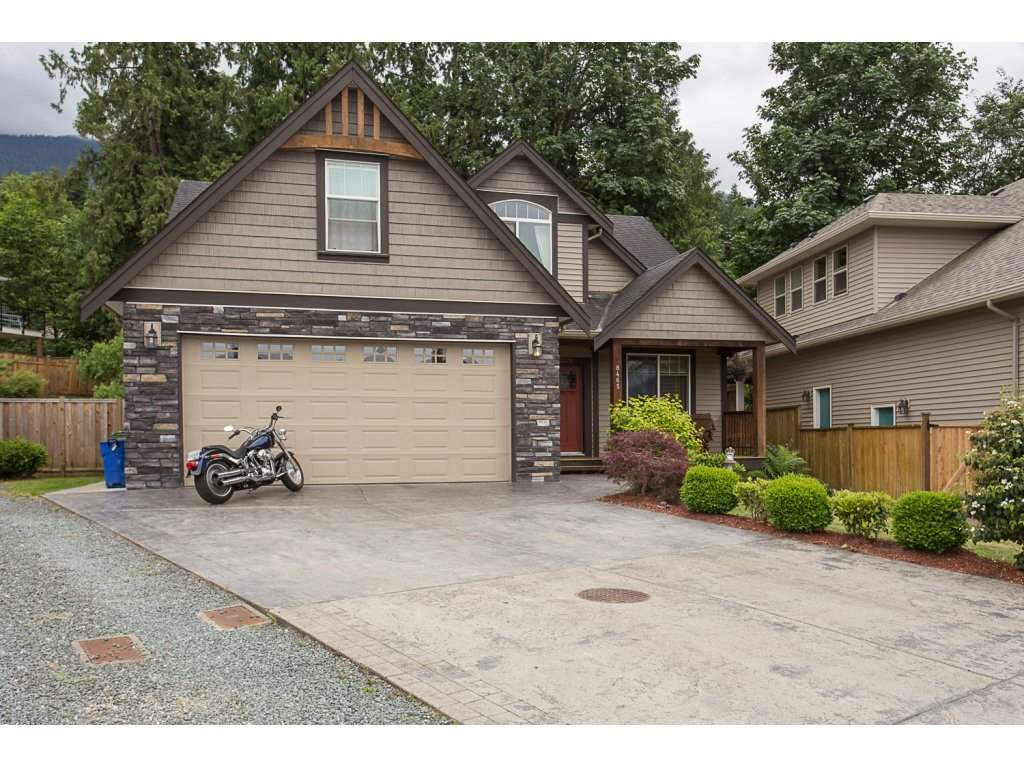 "Main Photo: 8465 BRADSHAW Place in Chilliwack: Eastern Hillsides House for sale in ""EASTERN HILLSIDE"" : MLS® # R2177262"