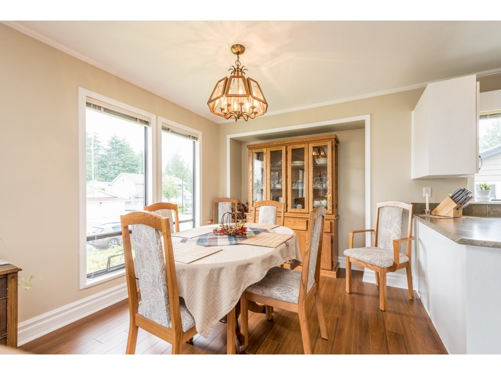 Photo 5: 21380 126TH Avenue in Maple Ridge: West Central House for sale : MLS(r) # R2179182
