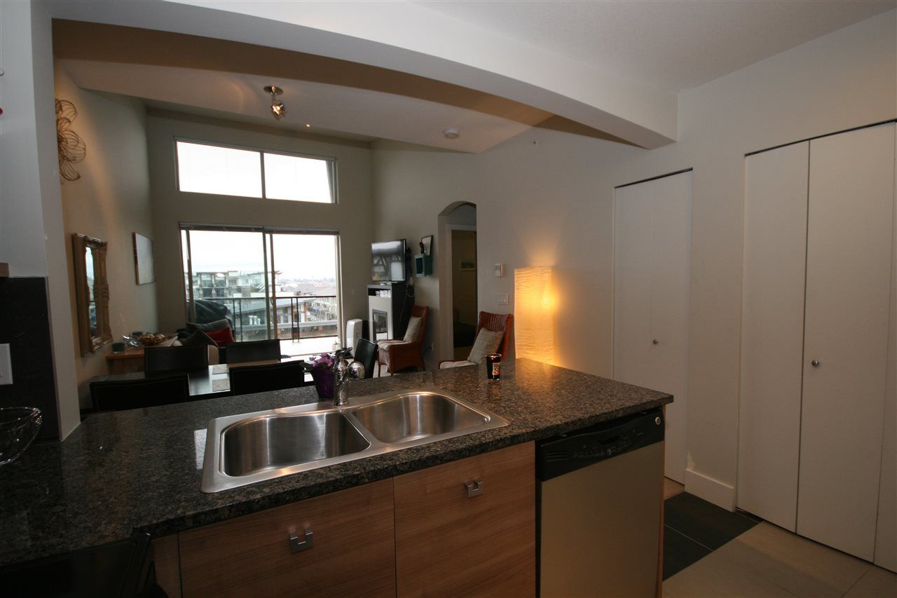 Photo 4: 432 6628 120 STREET in Surrey: West Newton Condo for sale : MLS(r) # R2157618