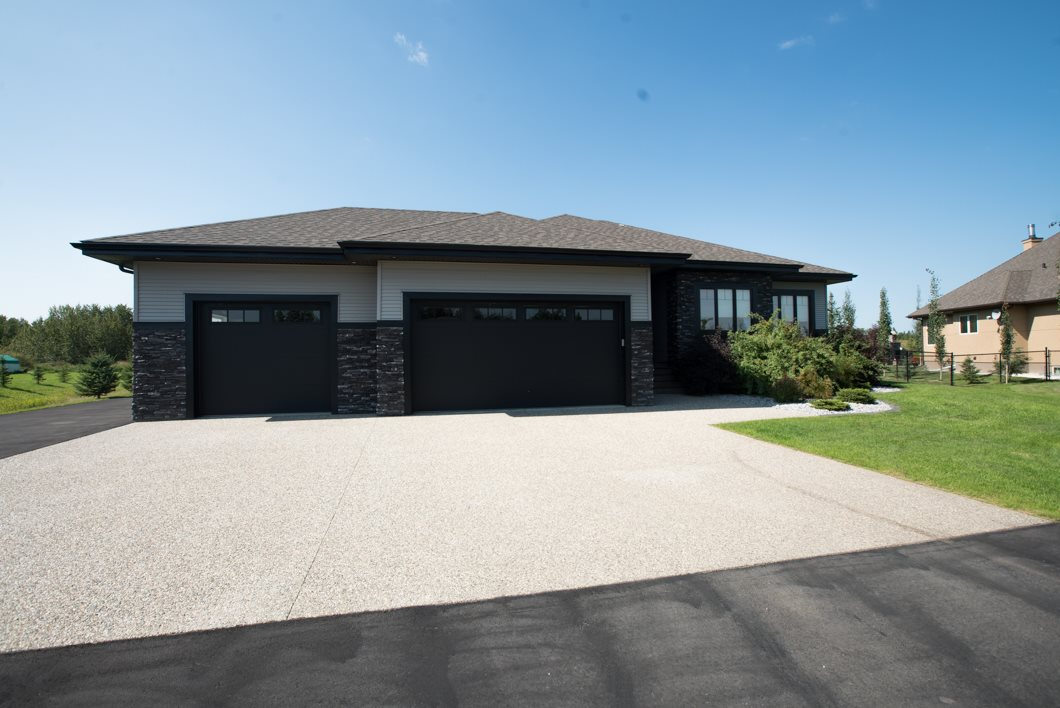 Main Photo: 40 26323 TWP RD 532A Road: Rural Parkland County House for sale : MLS® # E4077532