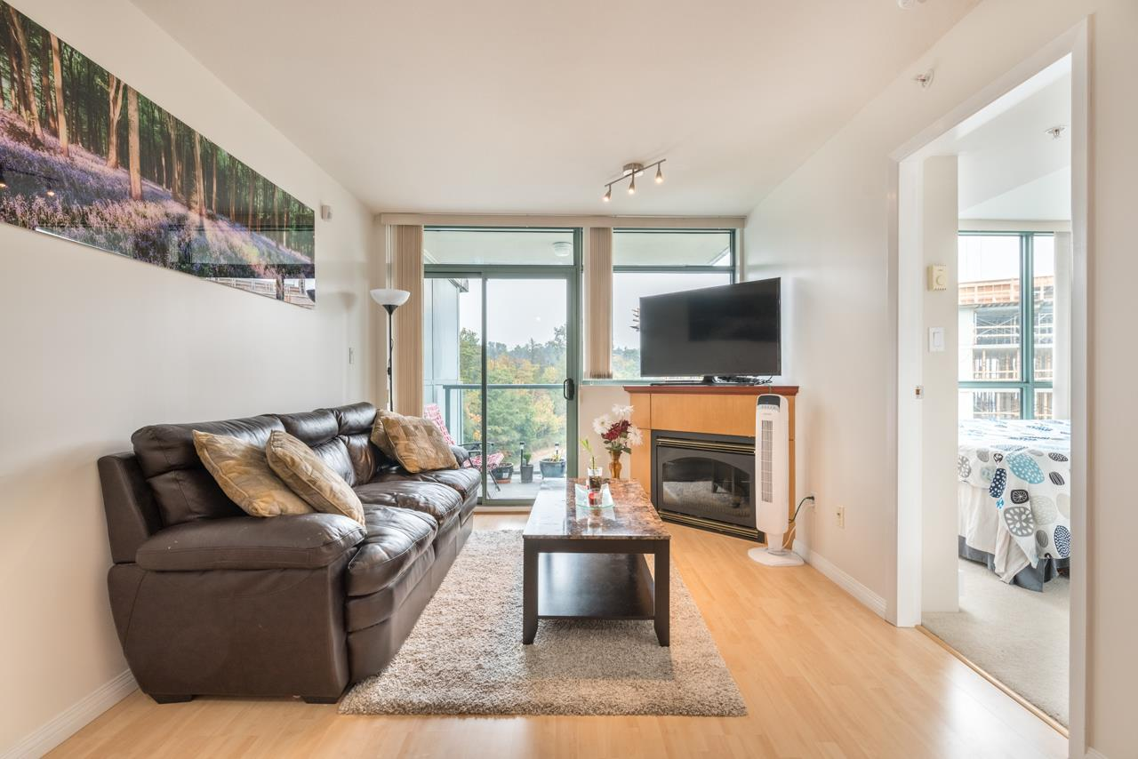 "Photo 9: 1009 2763 CHANDLERY Place in Vancouver: Fraserview VE Condo for sale in ""THE RIVER DANCE"" (Vancouver East)  : MLS® # R2202828"