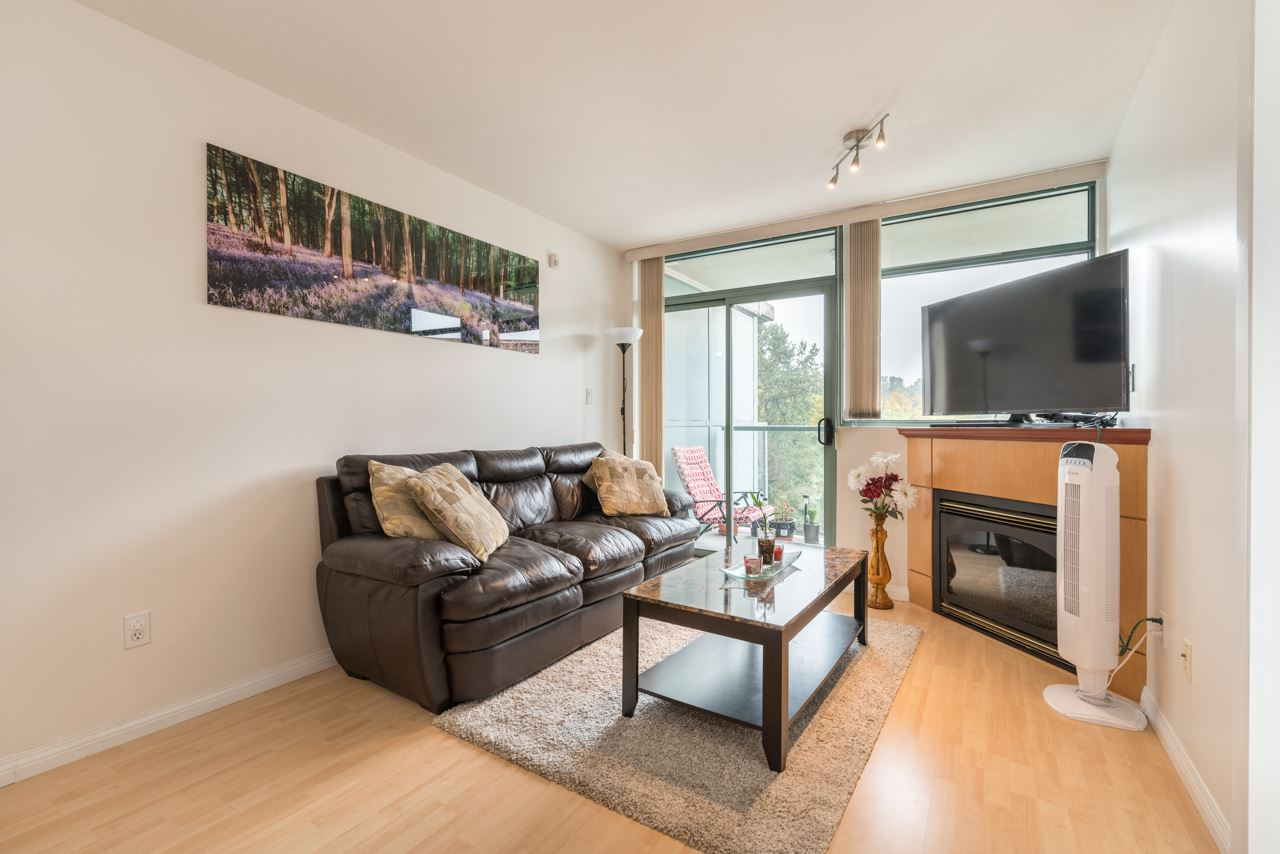 "Photo 10: 1009 2763 CHANDLERY Place in Vancouver: Fraserview VE Condo for sale in ""THE RIVER DANCE"" (Vancouver East)  : MLS® # R2202828"