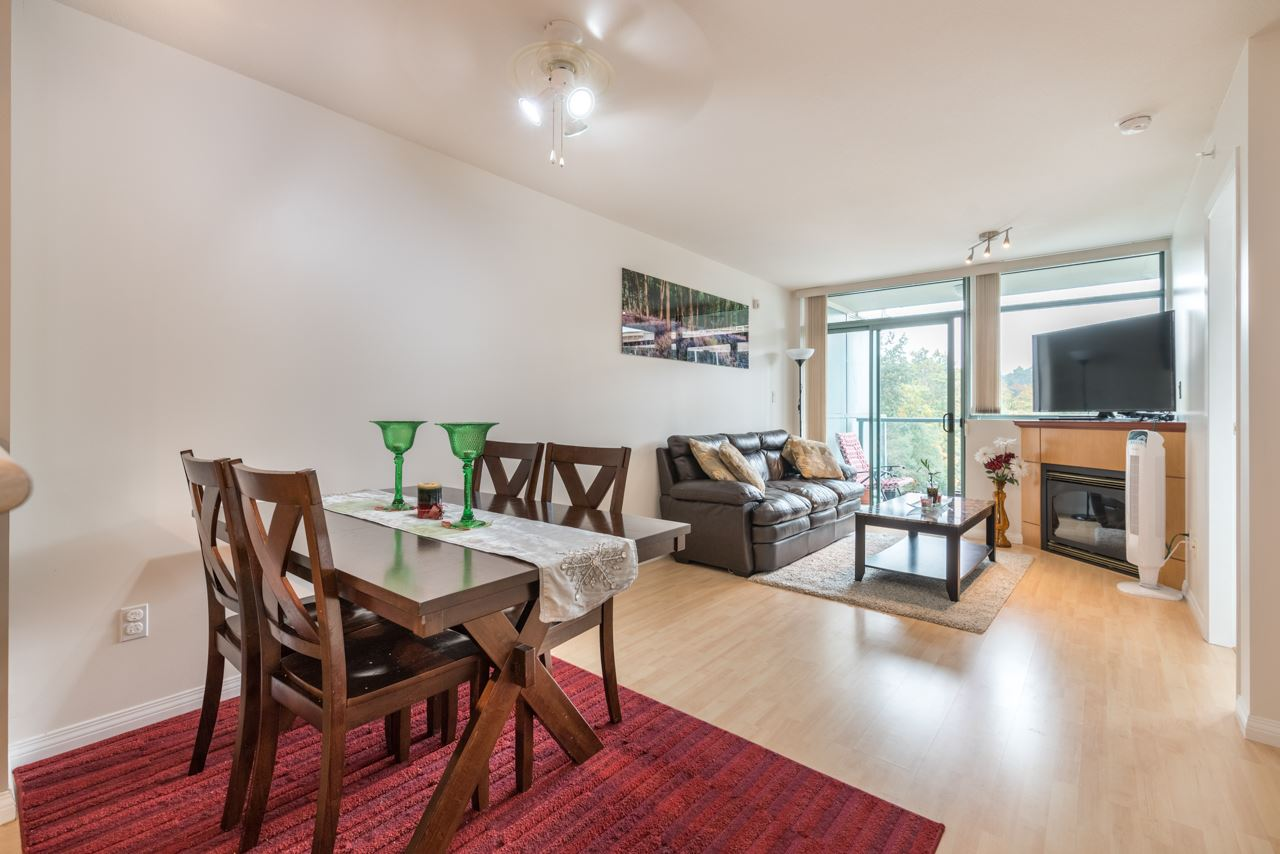 "Photo 8: 1009 2763 CHANDLERY Place in Vancouver: Fraserview VE Condo for sale in ""THE RIVER DANCE"" (Vancouver East)  : MLS® # R2202828"