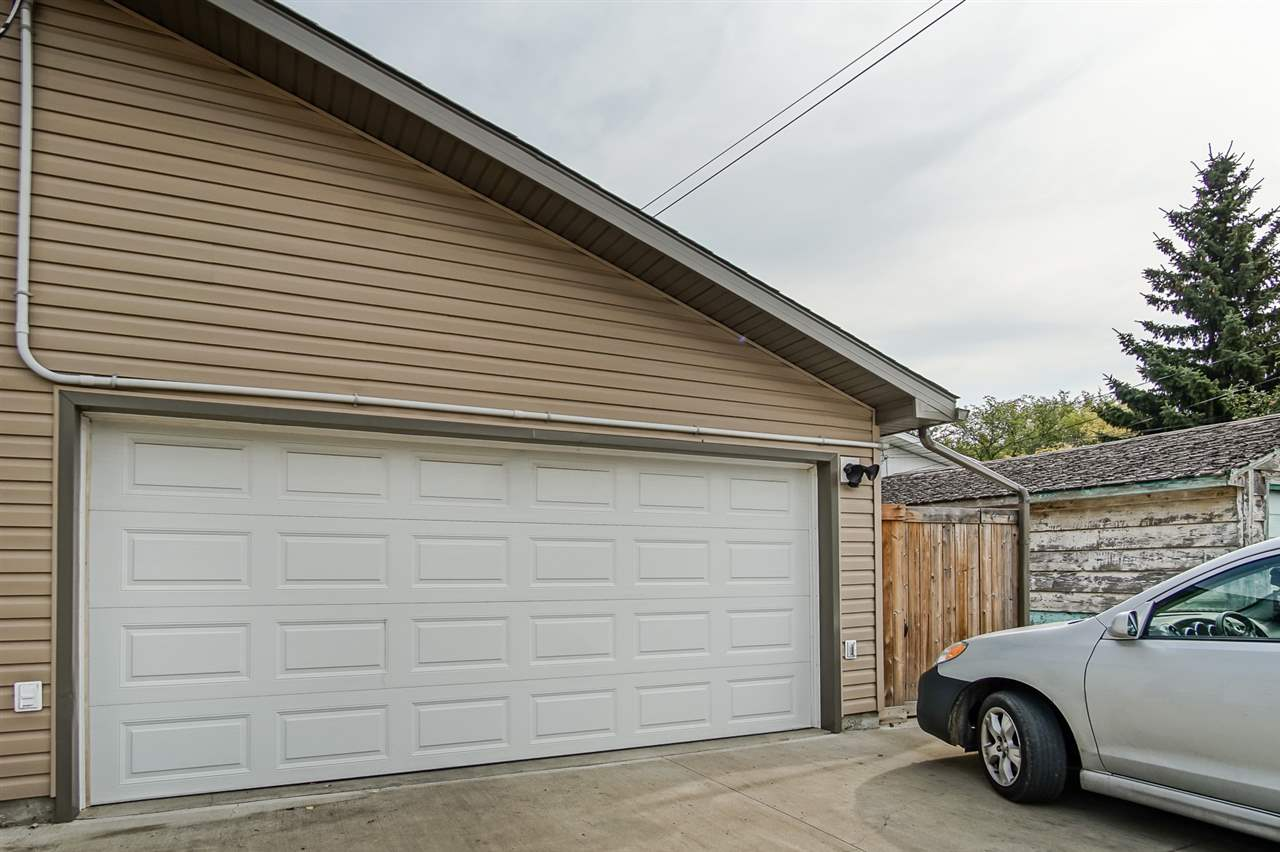 Double detached garage