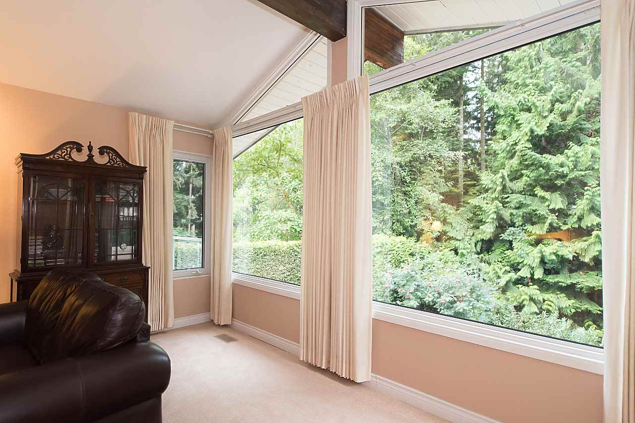Photo 5: Photos: 675 ALPINE Court in North Vancouver: Canyon Heights NV House for sale : MLS® # R2207689