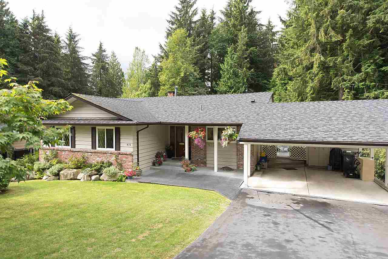 Photo 2: Photos: 675 ALPINE Court in North Vancouver: Canyon Heights NV House for sale : MLS® # R2207689