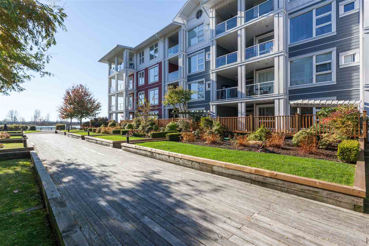 Main Photo: 113 4500 WESTWATER DRIVE in Richmond: Steveston South Condo for sale : MLS® # R2218071