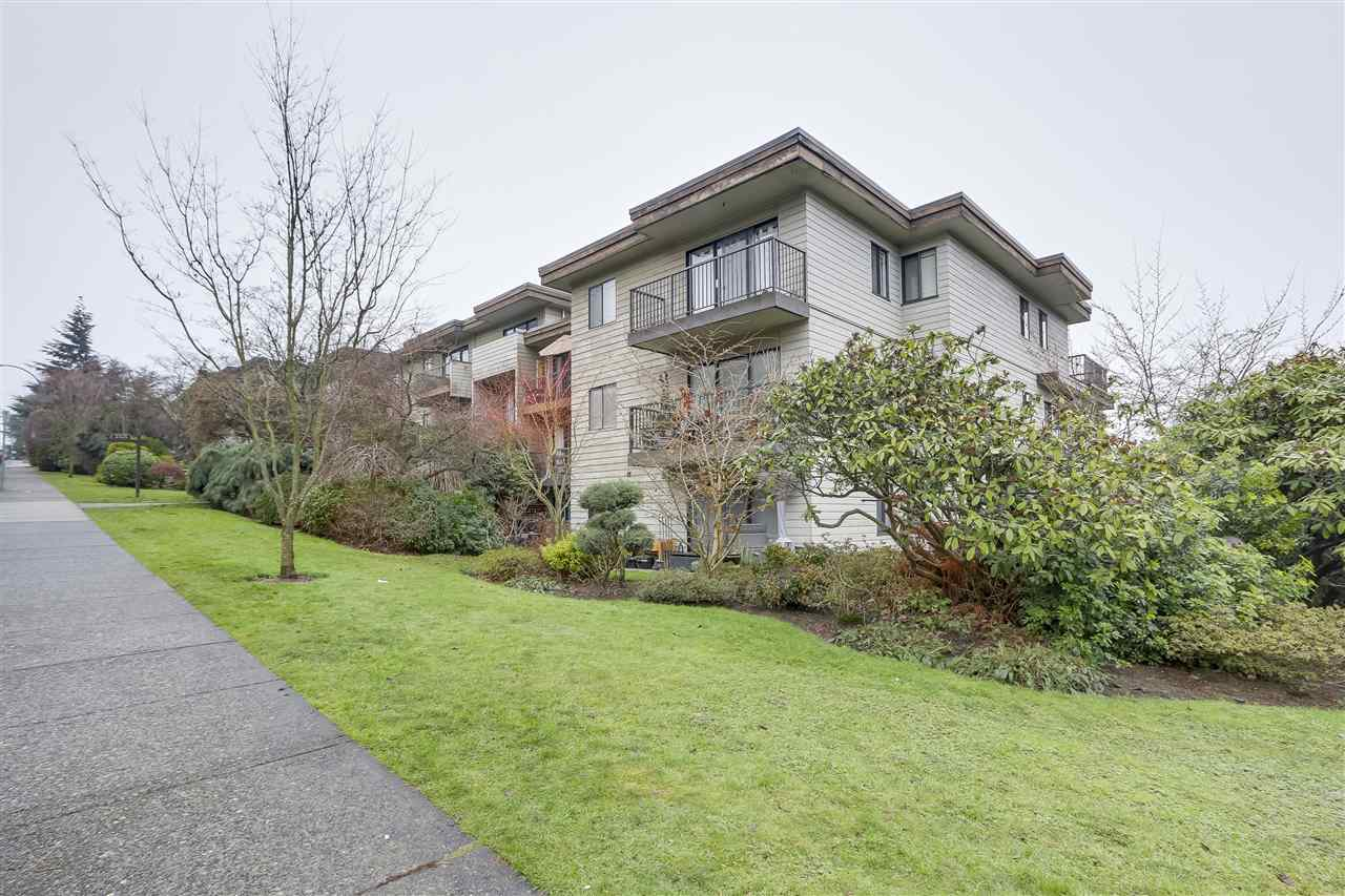 Main Photo: 213 2125 W 2ND Avenue in Vancouver: Kitsilano Condo for sale (Vancouver West)  : MLS®# R2230059