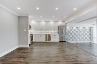 Main Photo: 1913 260 Scarlett Road in Toronto: Rockcliffe-Smythe Condo for lease (Toronto W03)  : MLS® # W4032307