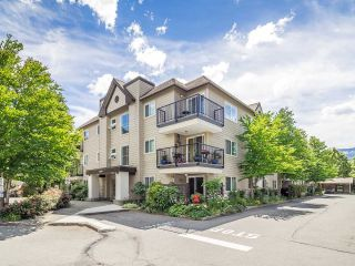 "Main Photo: A106 40100 WILLOW Crescent in Squamish: Garibaldi Estates Condo for sale in ""Diamond Head"" : MLS®# R2286606"