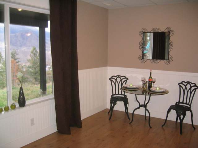 Photo 11: Kamloops view home with suite