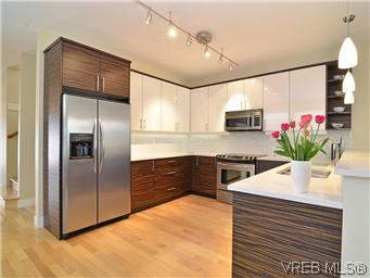 Photo 9: 522 Toronto Street in VICTORIA: Vi James Bay Residential for sale (Victoria)  : MLS(r) # 307780