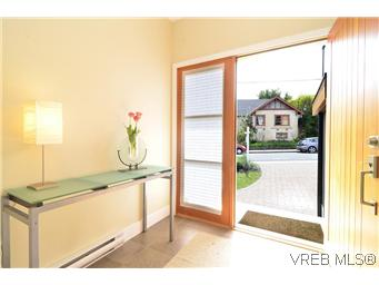 Photo 4: 522 Toronto Street in VICTORIA: Vi James Bay Residential for sale (Victoria)  : MLS(r) # 307780