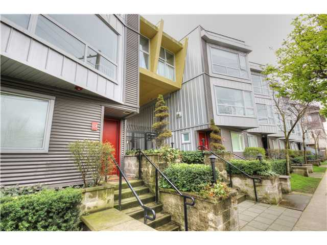 "Main Photo: 116 672 W 6TH Avenue in Vancouver: Fairview VW Townhouse for sale in ""BOHEMIA"" (Vancouver West)  : MLS® # V1057317"